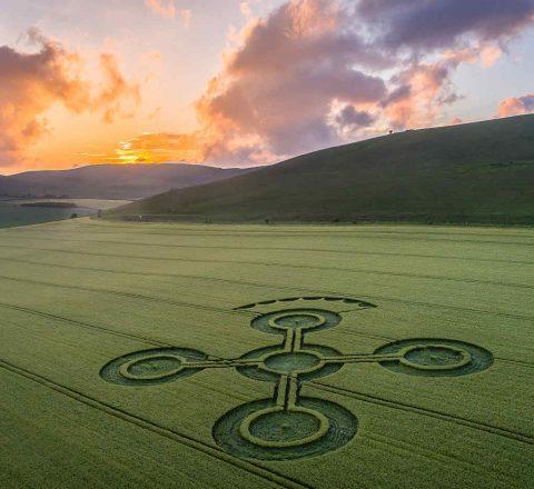 Coucher de soleil sur les crop circles Angleterre Oasis