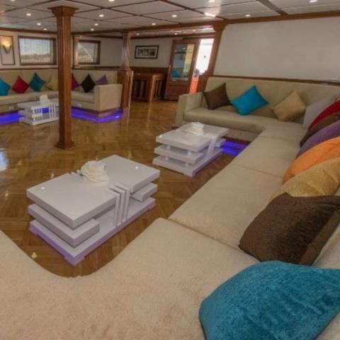 Salon bateau croisière Egypte Oasis