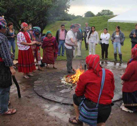 Cérémonie à Kaminaljuyu, Guatemala, Oasis