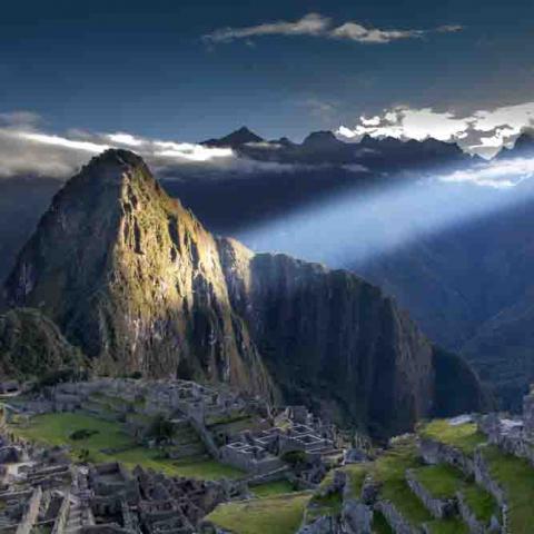 Rayon de soleil sur le Machu Picchu, Pérou, Oasis