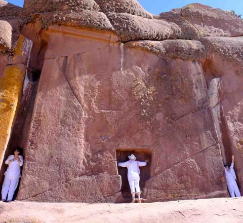 Initiation inca à la porte d'Hayu Marca, Pérou, Oasis