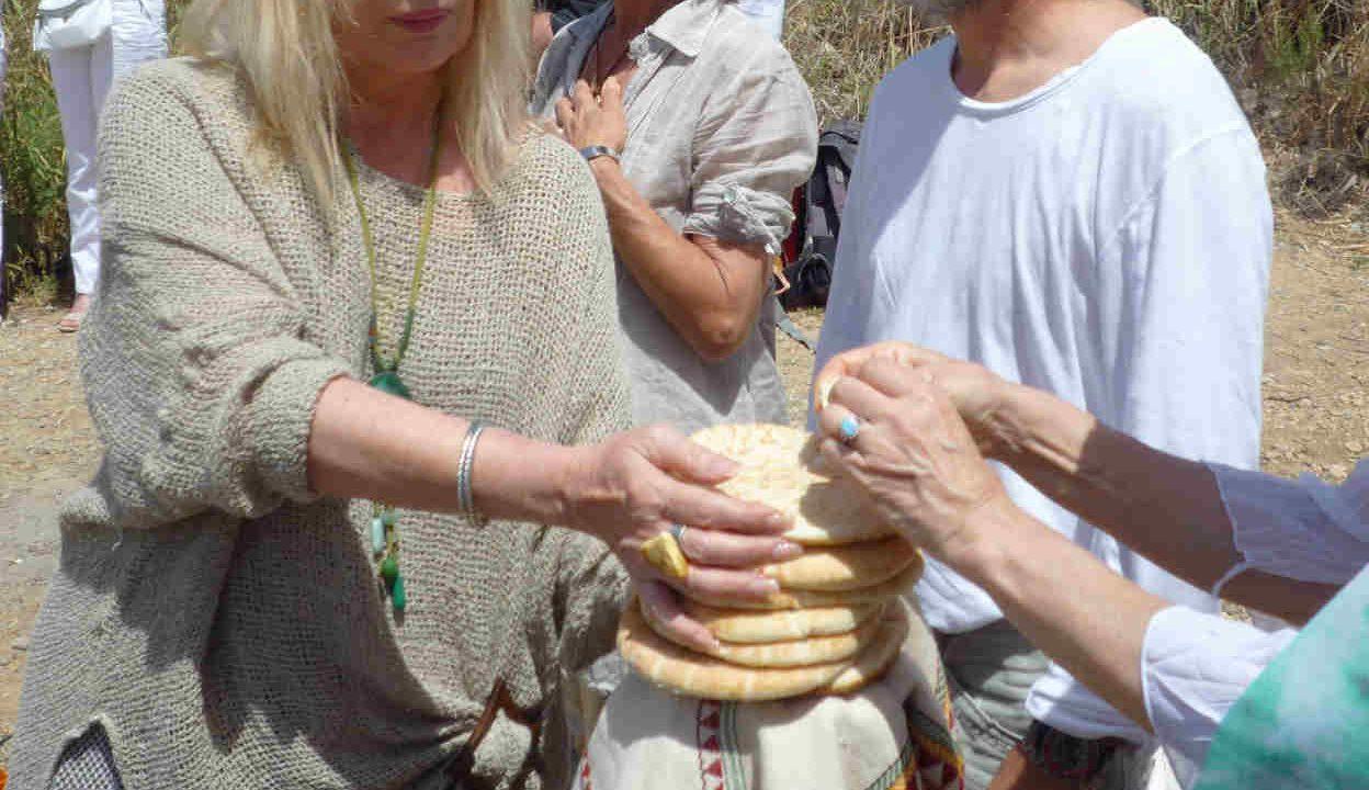 Israël cérémonie partage du pain Oasis