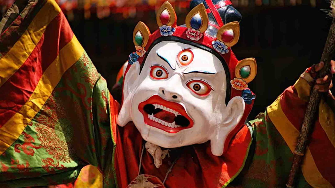 Danses masquées cham du bouddhisme tibétain, Inde Ladakh, Oasis