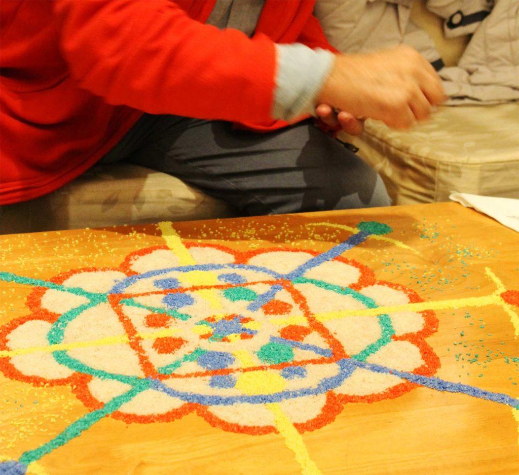 Réalisation de mandala expérience initiatique Bhoutan Oasis