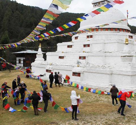 Drapeaux prieres voyage initiatique Bhoutan Oasis