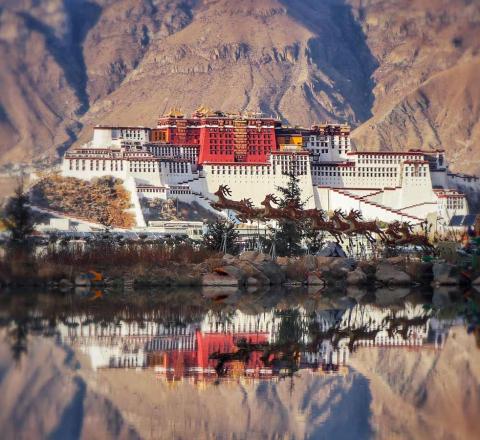 Palais Potala Tibet Oasis