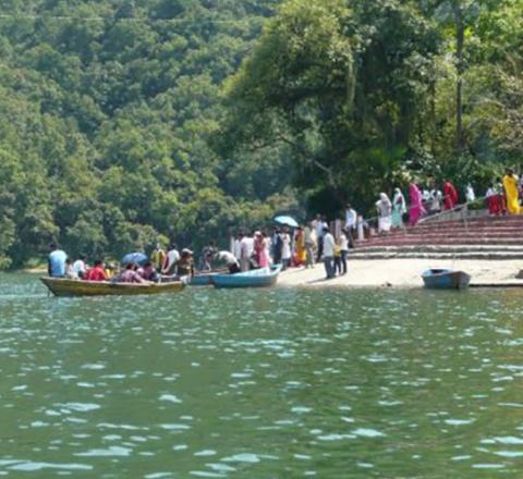 Lac Pokhara Népal Oasis
